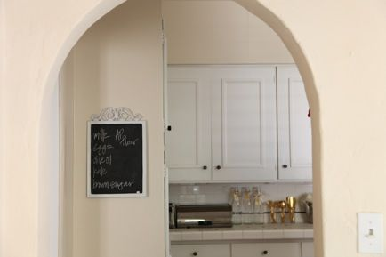 the color/the chalkboard/the archway: Chalkboard Cupcakes, Kitchen Crushes, Kitchen Chalkboard, Crafty Things, Kitchen Dining, Kitchen Chalk Boards, Kitchen Details