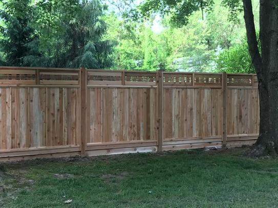 Signature Development 6 Ft H X 6 Ft W Western Red Cedar Horizontal Lattice Top Fence Panel Kit 6x6horiztopfkit The Home Depot Fence With Lattice Top Wood Fence Design Backyard Fences