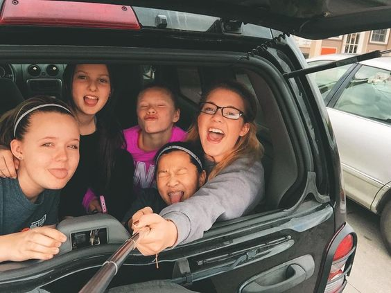 「 Don't ask us why we're in the trunk...T,Al, Jac, Dee & me. The boys are back  #younglife #wyldlife #love #coffee #mygirls #selfiestick 」