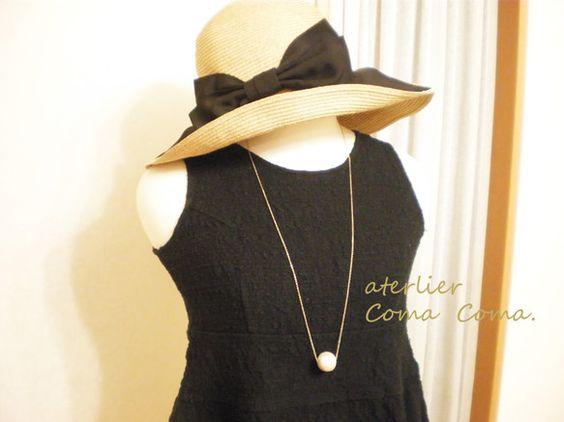 2cmの大玉のコットンパールをひと粒ネックレスに通しました。シンプルなお洋服の時もバツグンの存在感です☆、コットンパールのやわらかい光沢が上品でかわいい印象に...|ハンドメイド、手作り、手仕事品の通販・販売・購入ならCreema。