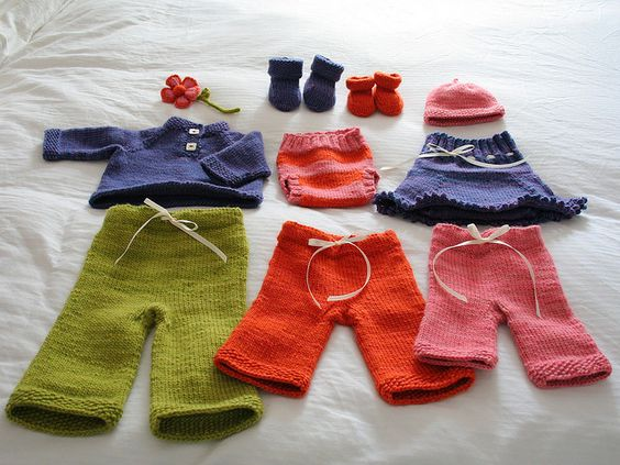 Very pretty and colorful, make feel like knitting.
