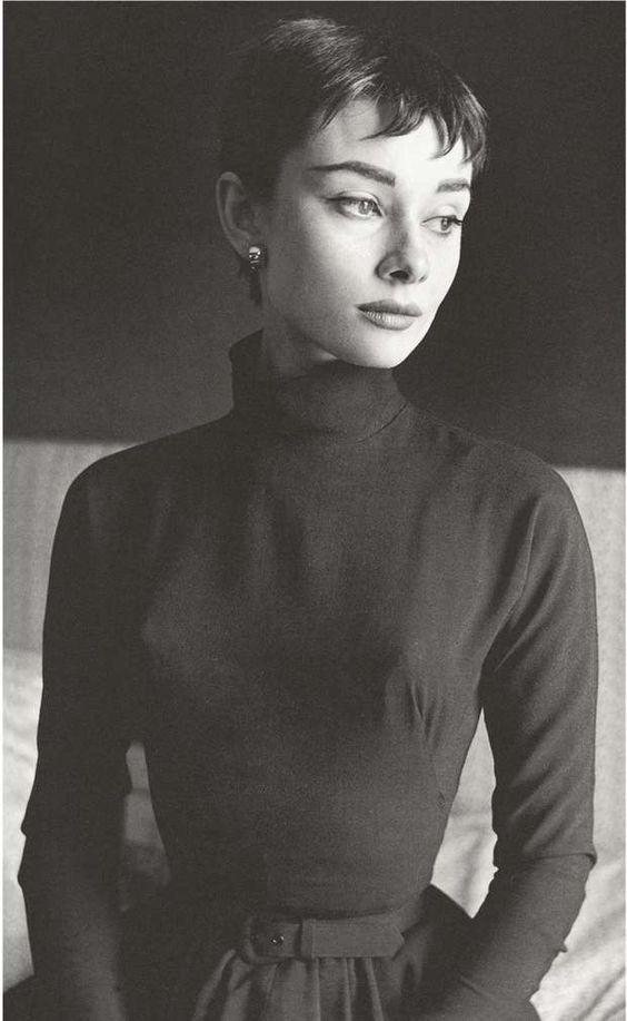 Audrey Hepburn 1954 - Beaton in Vogue