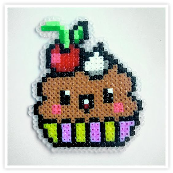 cupcake hama mini beads by pixel art shop hama pinterest shops minis et muffins. Black Bedroom Furniture Sets. Home Design Ideas