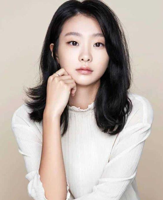 Artis Korea Tercantik Kim Da Mi