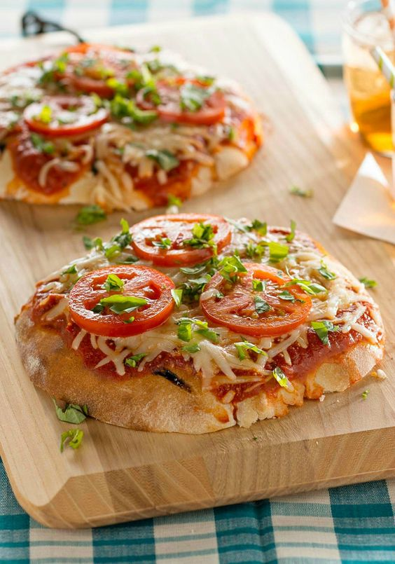 Tomato-Basil Pita Pizzas -- This recipe is easy--your crust is a pita ...