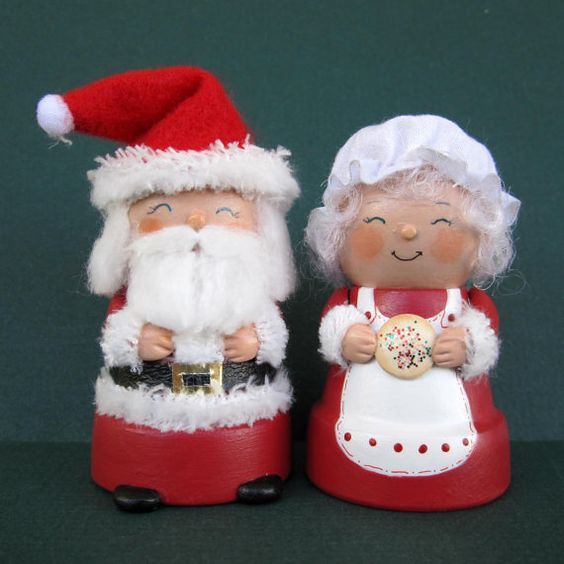 Santa and mrs claus flowerpot bell ornaments le veon