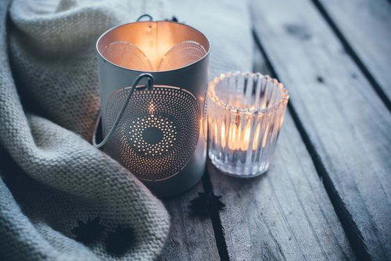 7 Nontoxic Scented Candles That Smell Fantastic, Naturally. No indoor pollution, harmful ingredients, or nauseating scents. The best five non-toxic scented candles to light up your home.