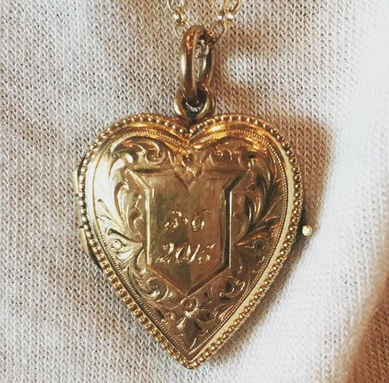 Taylor Swift Calvin Harris anniversary golden locket gift