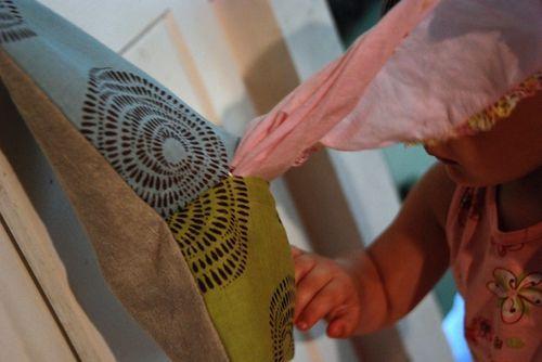 distributeur de mouchoirs lavables - Soulemama. Je vais bien finir par me mettre aux mouchoirs en tissus....