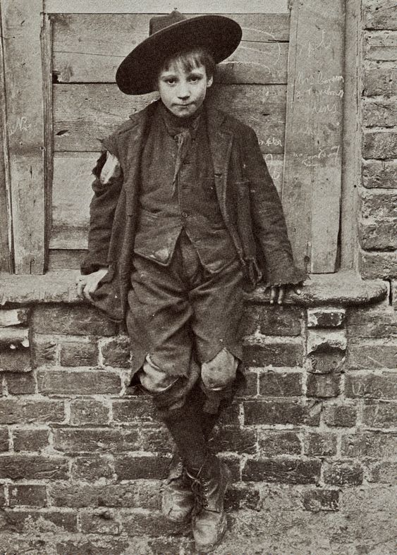 Spitalfields Nippers - Taken by Horace Warner in 1912 in Spitalfields England, these images of poverty stricken children show the horrible existences they had to endure just to survive.: