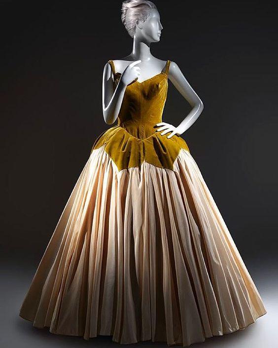 """Petal"" evening dress, by Charles James, ca. 1951 Metropolitan Museum of Art"
