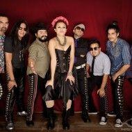 LOS DE ABAJO @ SFINKS MIXED Revolutionaire latin-ska uit Mexico  Deze Mexicaanse groep vrienden staat al 23 jaar op de planken.  Mexico kent een lange geschiedenis van armoede,  plundering, en corruptie. Los de Abajo begon om informatie en ideeën te verspreiden, en   ongelijkheden aan te klagen.   Hun muziek is een mix van salsa, merengue, cumbia, punk, rap, reggae, rock en Mexicaanse traditionele muziek , zoals son   https://youtu.be/ekcFFOr1djo #sfinksmixed #gratisfestival #losdeabajo