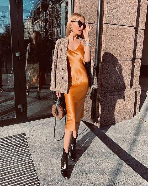 """108 curtidas, 3 comentários - Luís Ponciano⚡ (@luiponcianoblog) no Instagram: """"O combo que está fazendo sucesso no street style e o slipdress e as botas (coturnos, Western e…"""""""