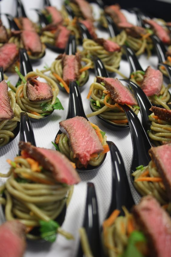 Thai beef on spoons canape pinterest photo galleries for Asian canape ideas