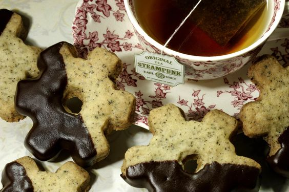 I stumble on a very delicious Earl Grey Cookie recipe on facebook : https://www.facebook.com/steampunkjewelry    Here's the recipe : http://www.thekitchn.com/recipe-earl-gre-13268 and how to make the chocolate dip would be here http://www.cooks.com/rec/view/0,1910,143164-224201,00.html