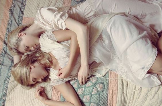 Old-Fashioned Twin Photography - Alexandra Cameron Captures Twin Seduction in 'Virgin Suicides' (GALLERY)