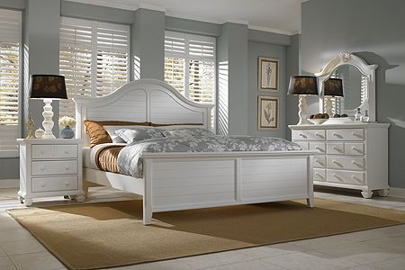 Mirren Harbor guest bedroom by Broyhill