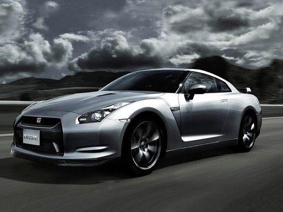 Nissan V Spec GT-R