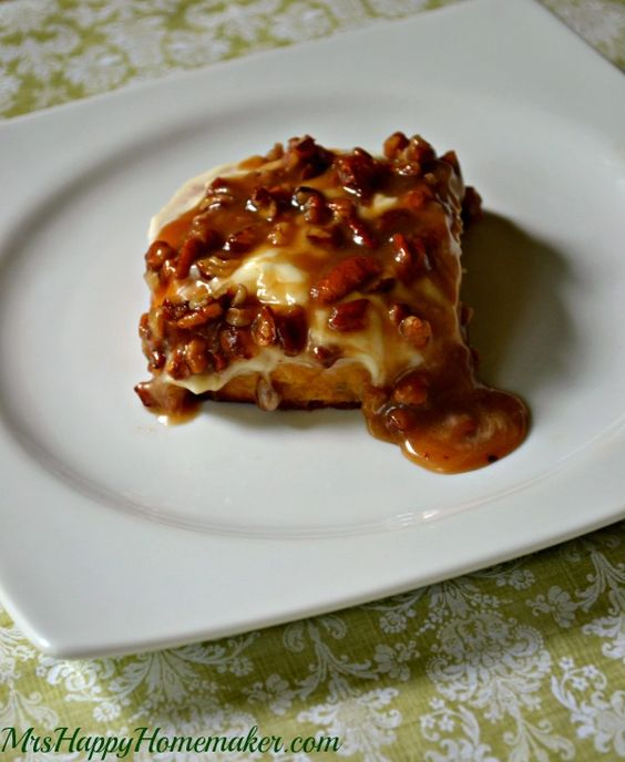 Caramel pecan, Pumpkin cinnamon rolls and Cream cheese ...