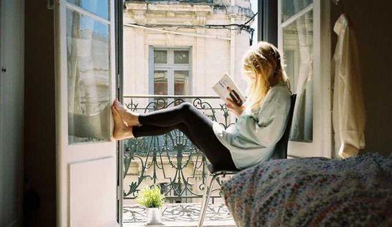10 Razones por las cuales Deberías Leer Libros Regularmente