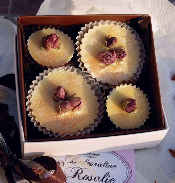 Edel - Gold - Rose. Ein absolutes Luxusbad für Sie und Ihn. Pudrige Rose mit ganz viel Glitzer!