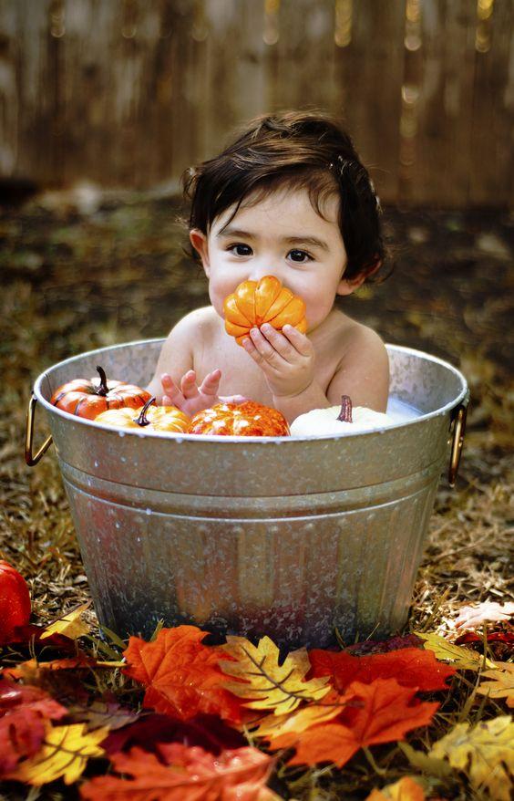 Идеи осенней фотосессии ребенка | Впервые мама - first-time-mama.ru