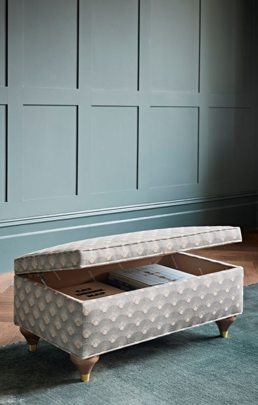 Inspired by the Art Deco period, the Camden footstool is an elegant piece that with work perfectly with any living space. Stylish as well as convenient, this footstool also doubles up as a storage unit.