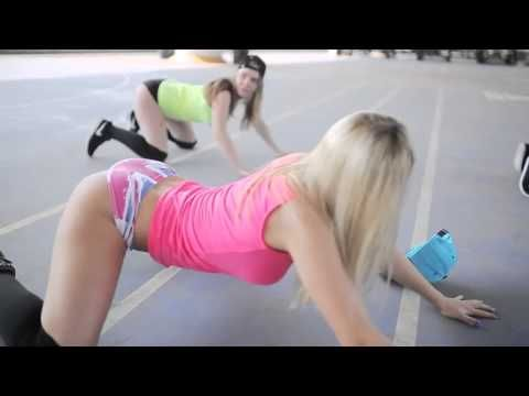 hot teen twerking