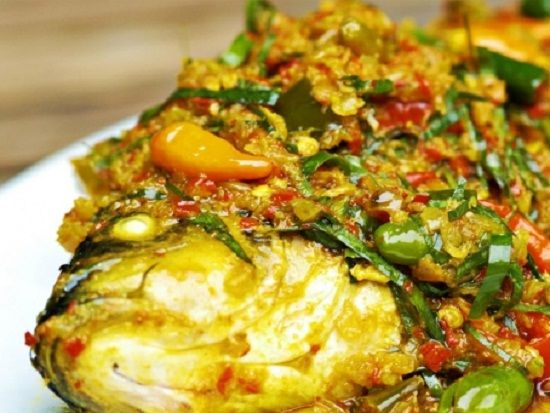 Resep Ikan Mas Bumbu Kuning Ikan Mas Adalah Jenis Ikan Konsumsi Yang Hidup Di Air Tawar Hampir Diseluruh Indonesia Ikan Mas Traditional Food Cooking Food