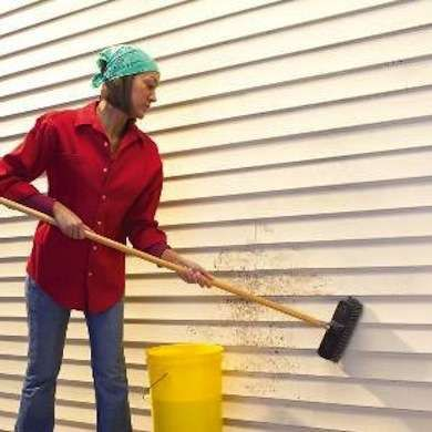Bob's Tip of the Day: Vinyl siding is pretty low maintenance, but snow, rain, and wind can soil its surface. To keep your siding free of grime and dirt, wash with a solution of 70 percent water and 30 percent vinegar, then rinse clean.