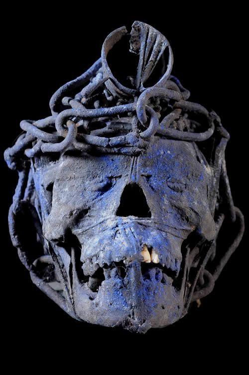 Relic human skulls - Adja / Fon - Benin - Curiosa Africa