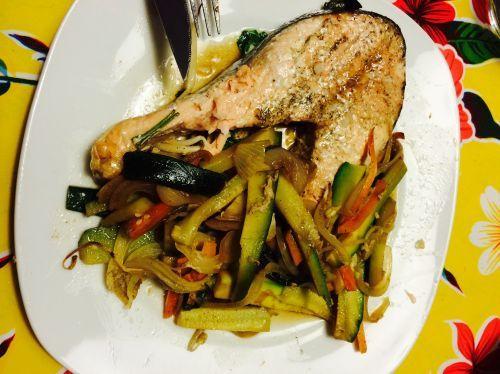 Salm n con verduras y salsa de soja recetas microondas - Cocinar pescado microondas ...
