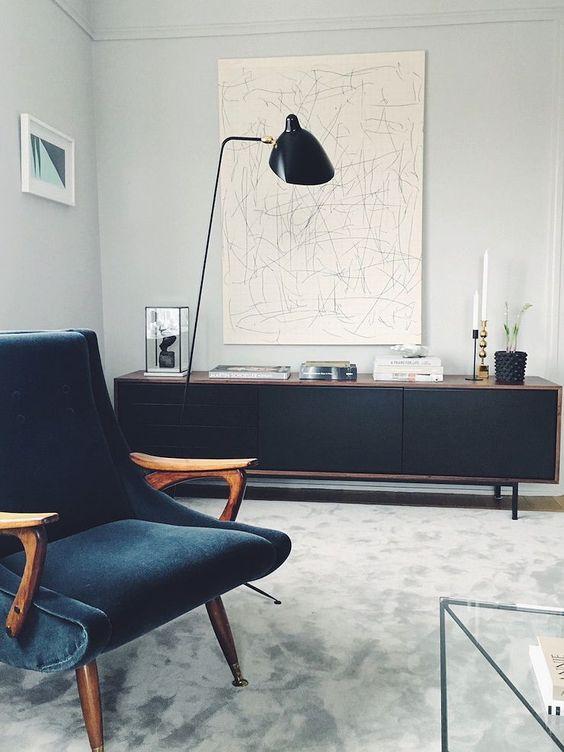 Mid-Century Modern & Classic sideboard | www.bocadolobo.com | #modernfurniture #furnitureinspiration #buffetsandcabinets