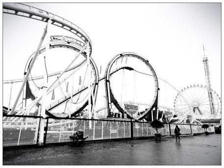 'Loops' von salvia-von-liebstoeckelschuh bei artflakes.com als Poster oder Kunstdruck $18.03