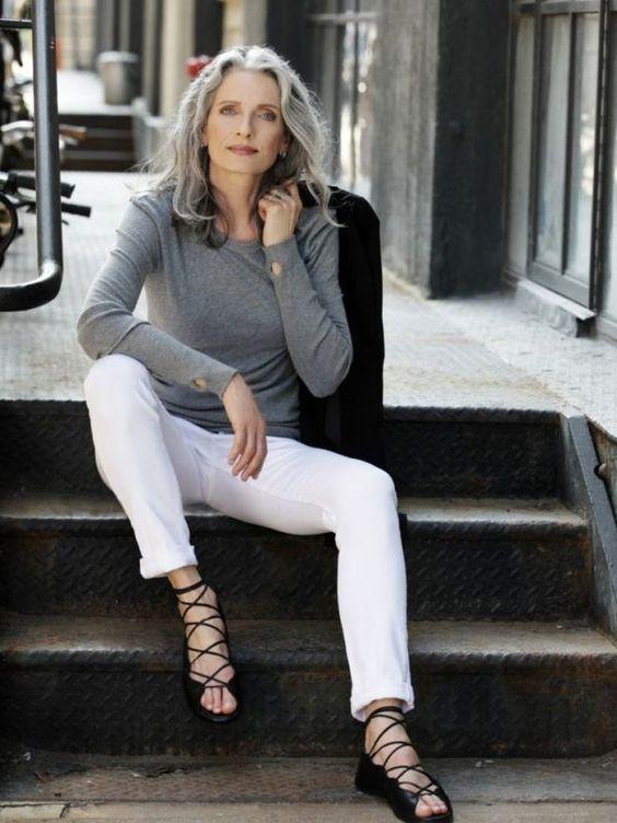 20 стильных и универсальных стрижек для женщин после 50 – Novuyden.com