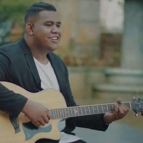 Listen To Andmesh Kamaleng Cinta Luar Biasa Official By Fandy Dwi On Music Blobs Lagu Gambar Orang Orang