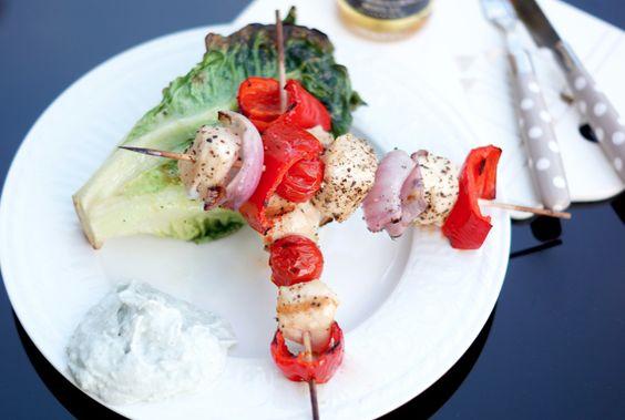 grillspyd og grillet hjertesalat