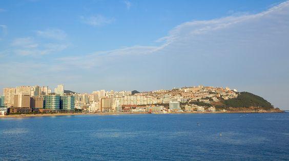 Busan với nước biển trong xanh và thời tiết tuyệt đẹp