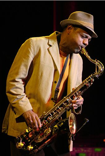 the life of a saxophone player For those of you interested, i read that wilton felder played a king super 20  tenor sax with a berg larsen 105/0 mouthpiece i hope you like it.