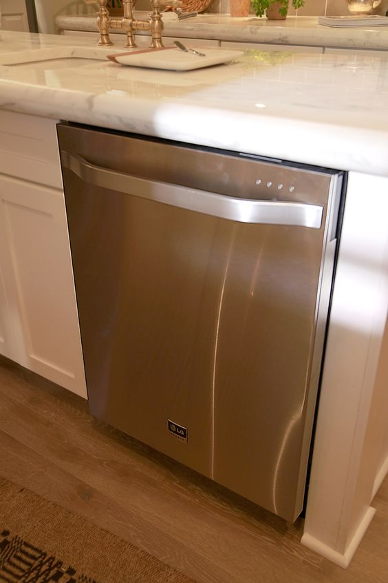 Countertop Dishwasher Lg : An LG Studio dishwasher looks sleek and keeps your dishes sparkling ...
