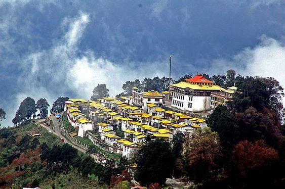 Tawang Monastery  http://thelandofbuddha.com/sikkim-tour-6