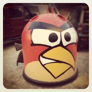 Vidrão Angry Birds - Avenida Sidónio Pais, Lisboa