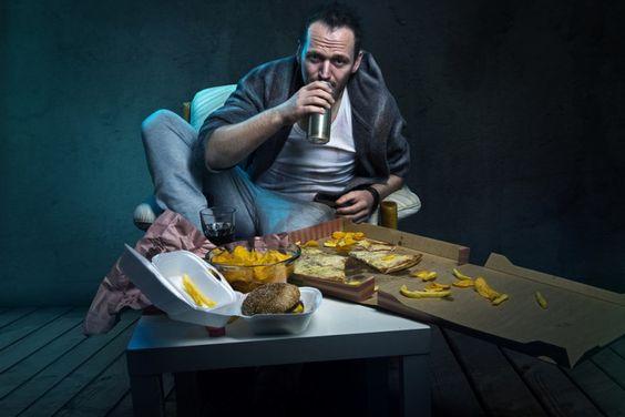 Atenção! Não use a comida para camuflar seus problemas: http://www.eusemfronteiras.com.br/alimentos-que-ajudam-a-combater-a-compulsao/ #eusemfronteiras #saúde #health #nutrição #emoções
