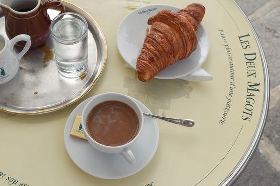 καφές στο Παρίσι .