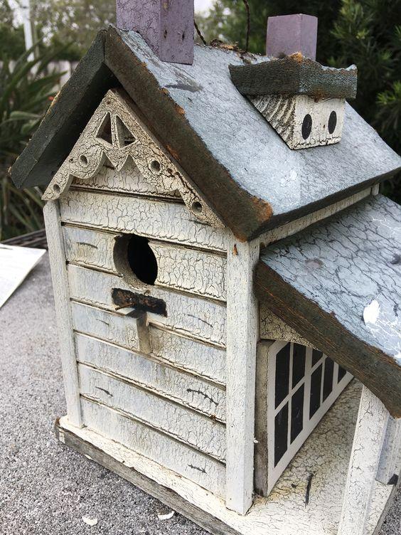 birdhouse dormer detain