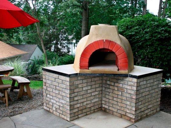 four à pizza construite étape par étape le résultat final