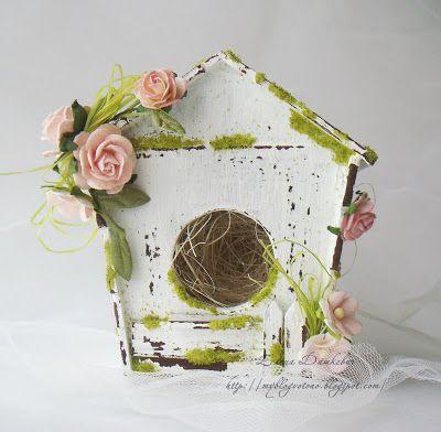 Casa de pájaros de cartonaje