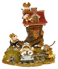 Wee Forest Folk - LITTLE MICE WHO LIVED IN A SHOE  Mint