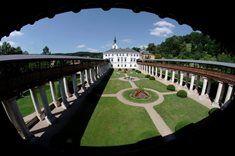 Prohlídka zámecké zahrady v Lysicích
