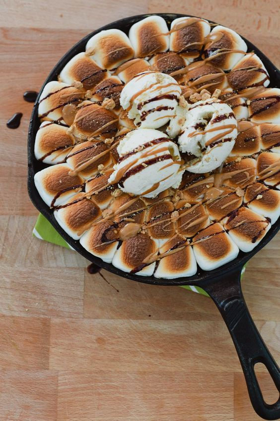 #SmoresWeek Dark Chocolate Peanut Butter Smores Skillet Cookie by Fresh Mommy Blog